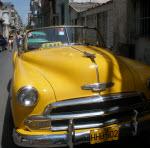COCHE AMARILLO CUBA